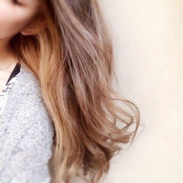 「インナーカラーを忍ばせて*ワタシだけのヘアカラー楽しんでみて♩」に含まれるinstagramの画像|MERY [メリー]