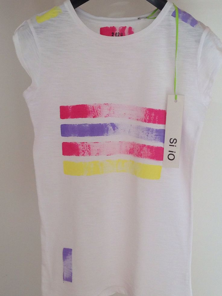 Lovely tshirt Si iO dipinta a mano! #siio #siiotshirt #uniche #dipinteamano #siioabbigliamento #lovely #tshirt #estate2014