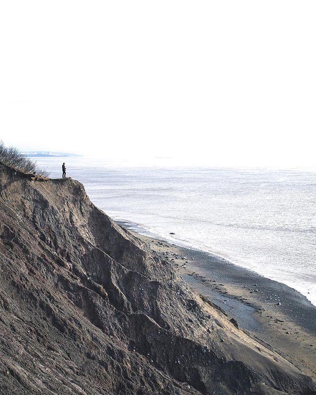 From @riley_jensen_photo  Living on the edge  In frame @ronanjensen    #noisenb #albertcounty #explorenb #explorecanada