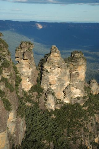 Click here for information about this The Three Sisters at Dawn photo. You can buy handmade greeting cards with this photo for $4.50 delivered. www.theshortcollection.com.au/Blue-Mountains