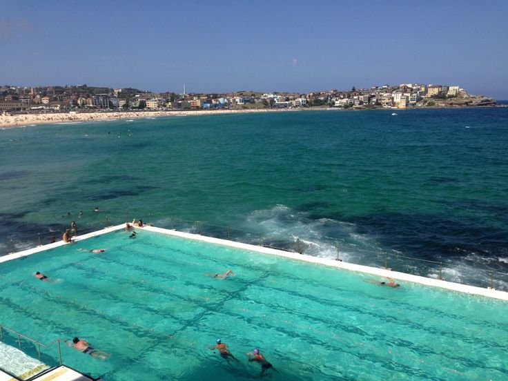 A swimming pool built out into the ocean at the famous Bondi Beach!  Too freakin' awesome!
