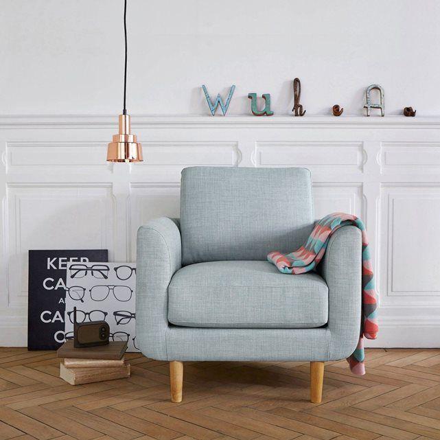 Le fauteuil Jimi. Coloris pastels et accueil très moelleux, ce fauteuil s'associera parfaitement à un salon d'inspiration nordique avec des meubles aux tons clairs pour un intérieur doux et cosy.Dimensions du fauteuil Jimi :Longueur : 77 cmHauteur : 79 cmProfondeur : 81 cmAssise : L54 x H45,5 x P53,5 cmCaractéristiques fauteuil Jimi :Revêtement :Tissu légèrement chiné en 90% polyester, 10% coton.Confort :Coussin d'assise garni de mousse polyuréthane 28kg/m3 Coussin de dossier garni de…