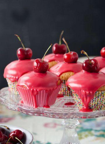#muffinki z wiśniowym lukrem #cherries #wisnie #babeczki #ciasteczka #przepis #cupcakes