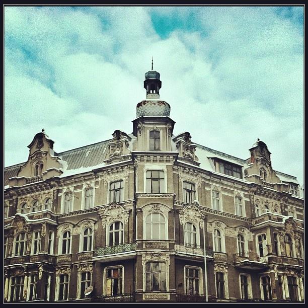 Antique apartment house at Obrońców Stalingradu street in Szczecin, Poland. Zabytkowa kamienica przy ul. Obrońców Stalingradu w Szczecinie.