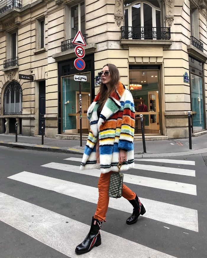 French Girls Admit They Love This Winter Outfit Combination