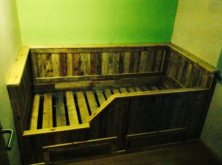 cama de niño de madera recuperada (palet) by #lanoblemadera