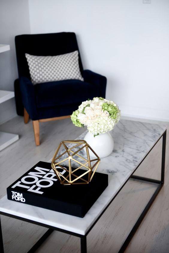 Marbre – table marbre blanc – fauteuil – chaise