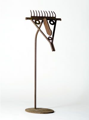 Howard Smith - 12. (HS031) Hector, 2002, welded iron, h. 94 cm, w. 37 cm