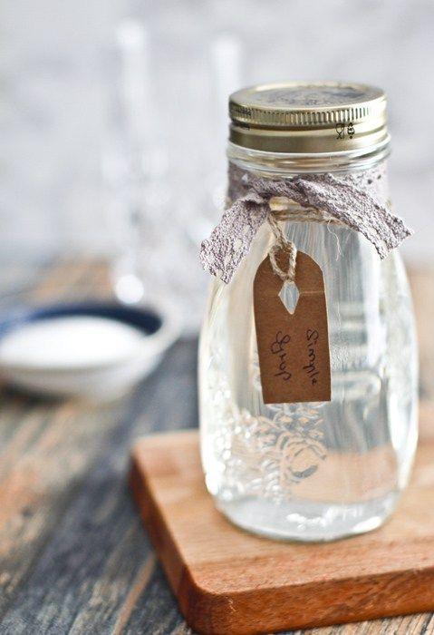 Simple Syrup Rezept - Zuckerwasser oder auch Zuckersirup selber machen ist ganz einfach und man benötigt es für viele Cocktails als Grundzutat