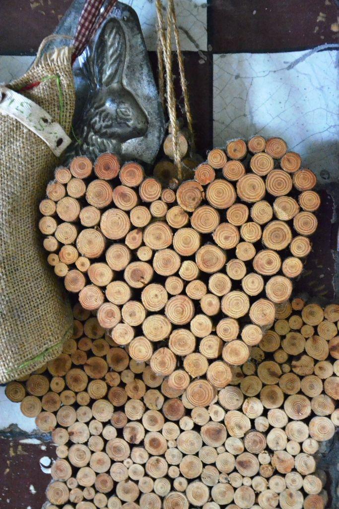 wood heart # boutique B&B # www.cabiancadellabbadessa.it # italian countriside # italian farm house #