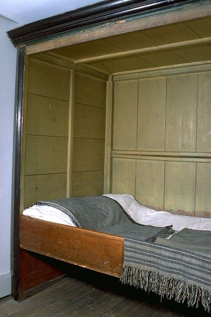 Best This Simple Pine Box Bed Dates From The Late 18Th Century 640 x 480