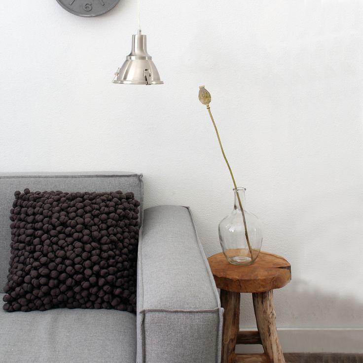 Simple Sofa uNewman u im Wohnzimmer der Bloggerin easyinterieur