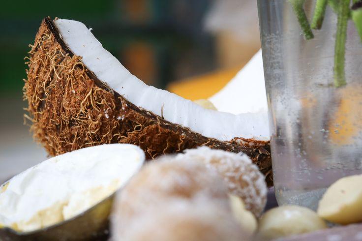 Sunshine + coconuts. Happy Friyay!