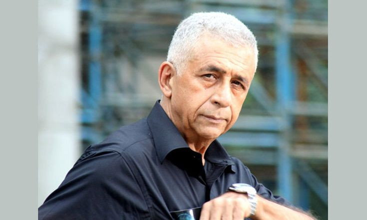 Naseeruddin Shah, Bollywood's famous start, Says that it is very sad that no director or film maker has dared to make film on Islam in Bollywood.  When he was asked why director Rajkumar Hirani satirically pointed out many evils that are so widespread in Hinduism but he avoided taunting Islam, his answer was: 'Ask this question from Hirani. Why he didn't raised this issue. Why he didn't pass sarcasm on Muslims too' He also said: Pakistan dared to make film like 'Khuda k liay' but no one…