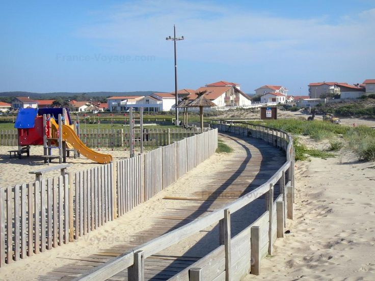 Mimizan-Plage : Playground for children - France-Voyage.com