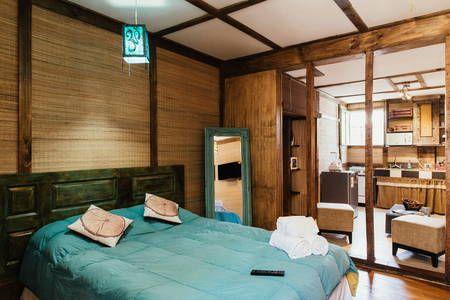 Échale un vistazo a este increíble alojamiento de Airbnb: Located in the middle of Lastarria - Departamentos en alquiler en Santiago