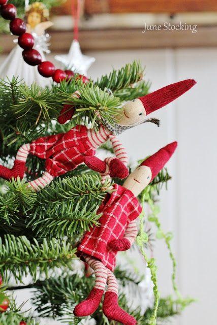 138 best god jul images on pinterest for Scandinavian christmas craft ideas