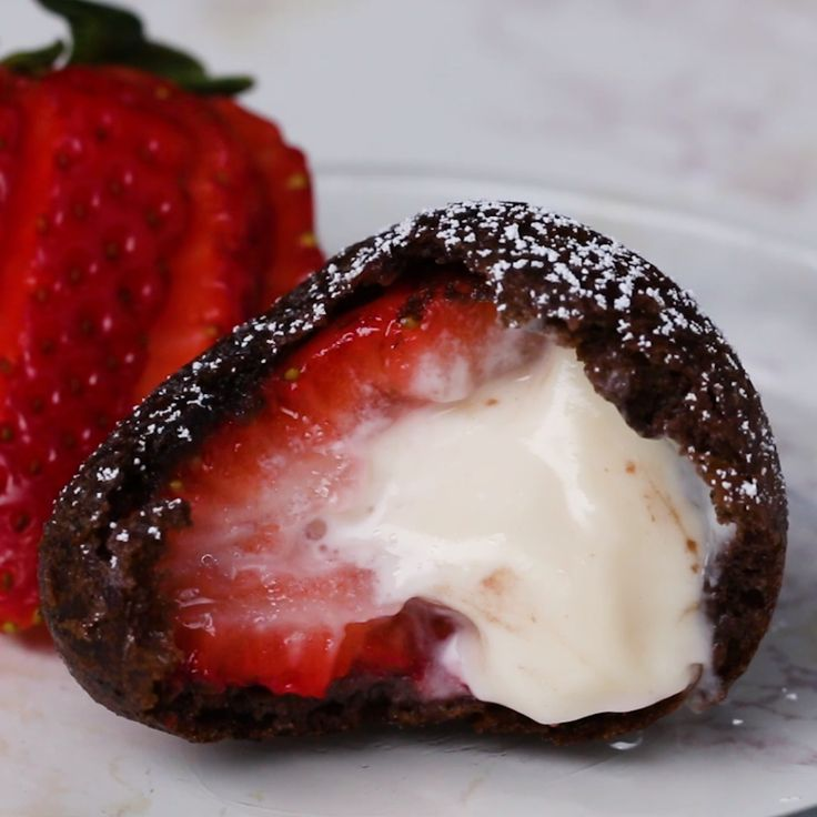 Deep Fried Cheesecake-Stuffed Strawberries