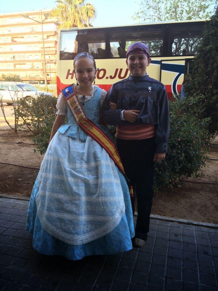 ENTRE TELAS: ELENA F.M. DE L´ANTIGA DE CAMPANAR VESTIDA DE HUER...