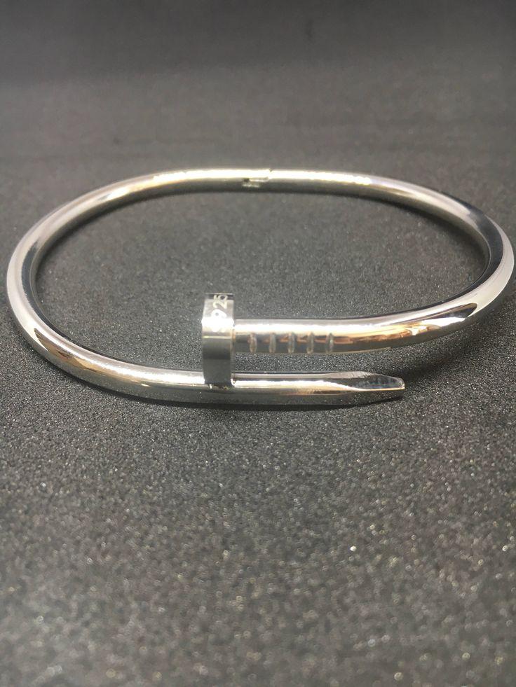 Le chouchou de ma boutique https://www.etsy.com/fr/listing/567340770/bracelet-jonc-homme-en-argent-massif