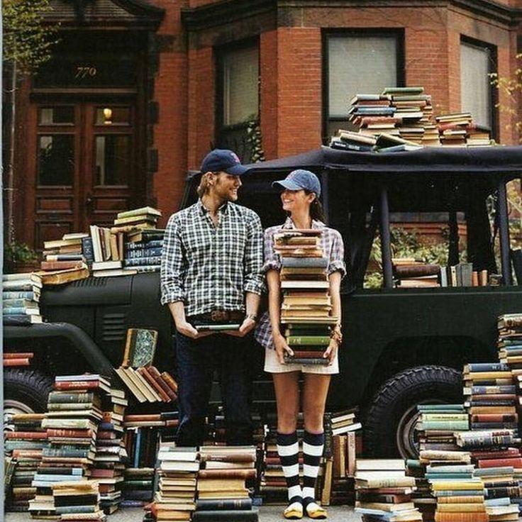 Sevdiği olmalı insanın. Eski ahşap pencereye hayat veren çiçek gibi.. Tufan Genç  #kitap#kitaplar#books#bookslovers#okumahalleri#edebiyat#sanat#kultur http://turkrazzi.com/ipost/1522313749649458490/?code=BUgWEosjIU6
