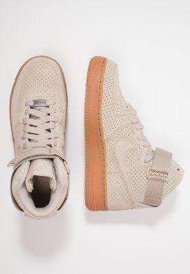 Dieser Sneaker sorgt für einen coolen Street-Style. Nike Sportswear AIR FORCE 1 - Sneaker high - string für 119,95 € (11.11.15) versandkostenfrei bei Zalando bestellen.