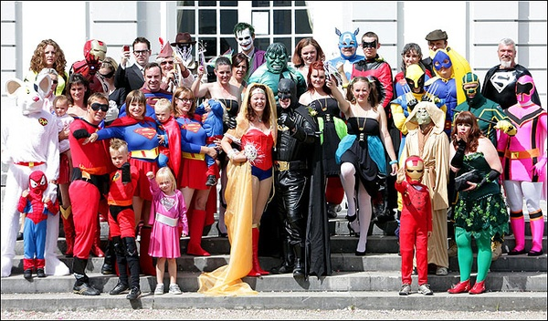 Superhero Wedding! haha I would never do this but I think it is hilarious! ;) @Harley Quinn