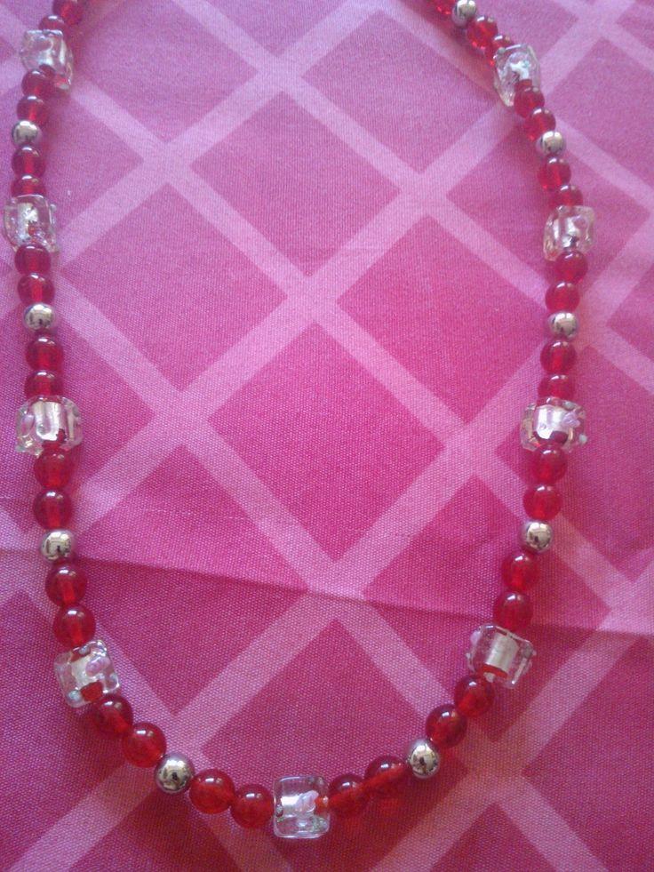 Collar mediano rojo/plata