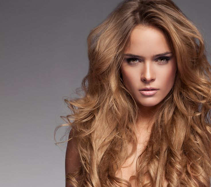 Create this perfectly sun-kissed honey blonde by using 4 oz of 7.34 Mastey with 3 oz of 20 volume developer and 1 ounce of 7.34 Color Instantane. This gives you a pigment packed 15 volume! Remember Color Instantane is pre oxidized pigament. It's a great tool provided by Mastey for stylists to give them the upmost control in color personalization. For more information on Color Instantane and the various ways to use it please visit www.mastey.com or www.masteyhaircolor.com