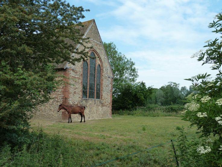 St Nicholas Chapel Coggeshall Essex Walking Route  http://www.walksandwalking.com/2011/06/walks-and-walking-kelvedon-to-coggeshall-essex-walking-routes/: Nicholas Chapel, St Nicholas, Favorite Places, Chapel Coggeshall, Favourite Places, Essex Walking, Coggeshall Essex