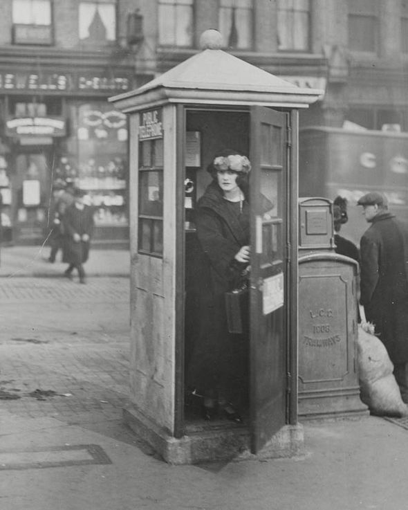 The first ever phone box in London in 1924