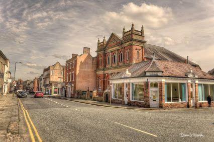 Любите старые здания в этом снимок, сделанный в Ashbourne Дербишир, Великобритания.