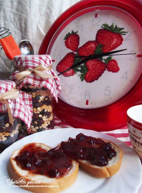 Чудная девчонка: Кухонные часы Клубника / Kitchen clock Strawberry