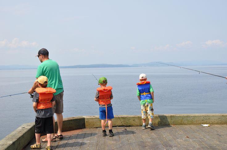 Pêche au quai de Grande-Grave, Gaspé/Circuit familial
