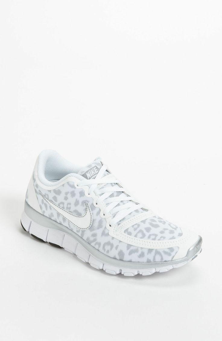 Nike Shoes 2015 White and Cheetah print Nike Free
