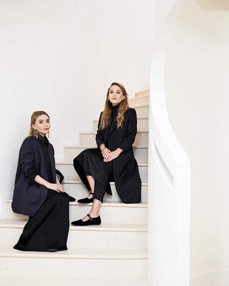 Ashley and Mary-Kate Olsen have a new townhouseand it's @therow's first New York store. @voguerunway has an exclusive inside look (link in bio). by voguemagazine