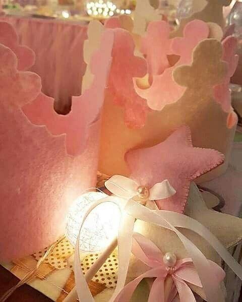 Coroncine e bacchette per piccole principesse! #principesse#princess#corone#bacchette#star#babygirl#bambine#bambinebelle#handmade#fattoamano#fattoamanoconamore#cucitocreativo#cucitoamano#artigianato#artigianatoitaliano#feltro#felt#pannolenci#birthday#birtdayparty#creatività#creative#creativity#SognidiPannolenci#Salento#Puglia#Nardò#Lecce#Italy#Italia