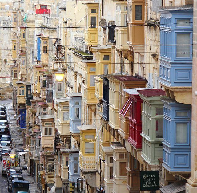 #Valletta lower Republic Street