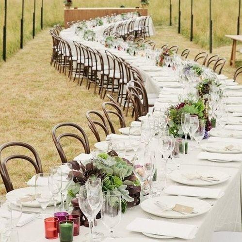 Как бюджетно украсить длинные столы | DiscoverWedding.ru