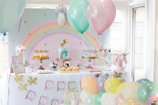 Wenn ein Märchen wahr werden soll: Hier habe ich für Euch die süßesten Ideen für eine Einhorn-Party zusammengestellt. Lasst Euch dazu einfach inspirieren.