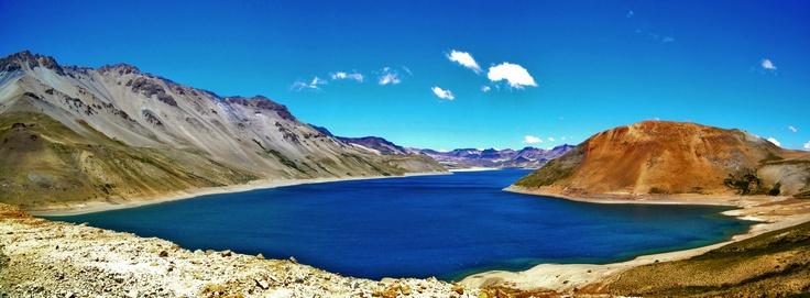 Laguna del Maule. Foto de Héctor Campos Parada.