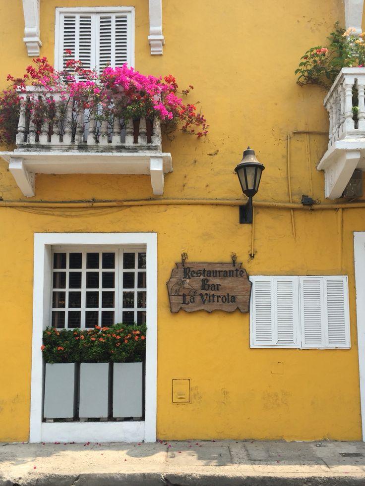 La Vitrola  Restaurante Tradicional en el Corralito de Piedra #cartagenadeindias