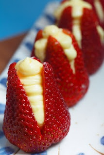 #Cheesecake filled strawberries.