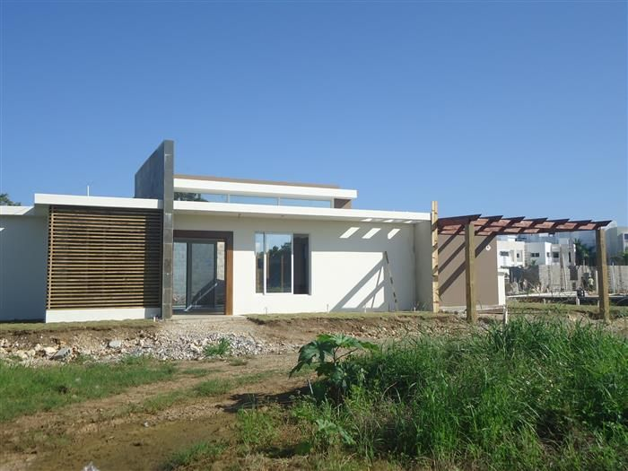 Listing #: V-12135 LG City: Sosua Price: U$188,000 Bedrooms: 3 Bathrooms: 2 Apartments: 1 Living area (sq. Feet): 1722 / sq Meters: 160 Lot Size (sq Feet): 4887 / sq Meters: 454 - See more at: http://www.ambercoastrealty.com/listing-villa-inside-beach-front-community-for-sale-1099.html#sthash.CseRFeaa.dpuf