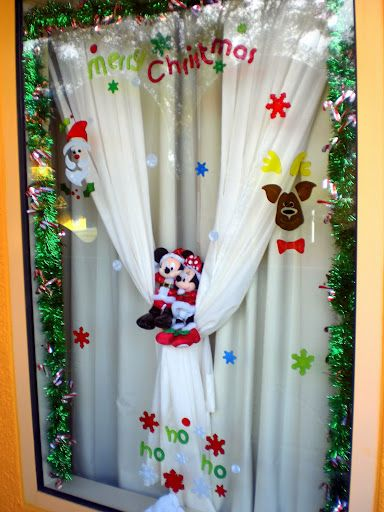 window decoration interior design christmas indoor window decoration ideas lighted christmas. Black Bedroom Furniture Sets. Home Design Ideas