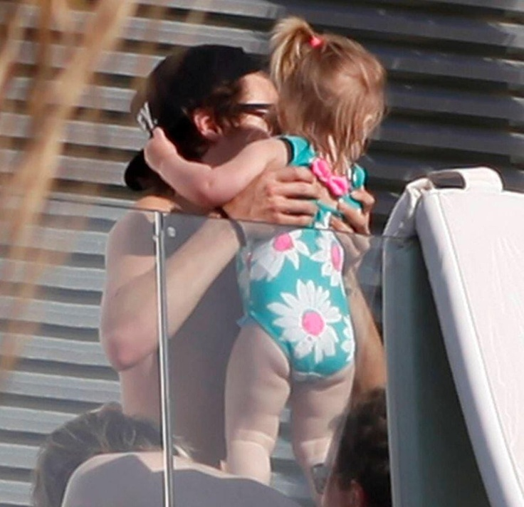 Harry and Lux in Barcelona... Via @1DSuperHumans