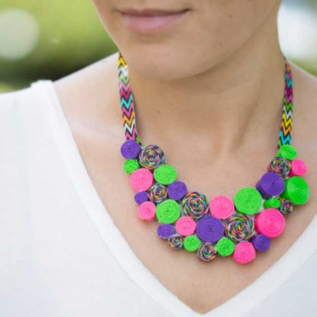 Duct Tape Crafts Ideas for DIY Home Decor, Fashion and Accessories | Duck Tape DIY Necklace | DIY Projects for Teens | http://diyprojectsforteens.com/duct-tape-projects/