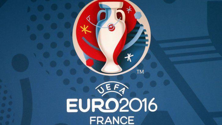 Ceremonia tragerii la sorţi pentru Euro-2016 va fi prezentată de Bixente Lizarazu - http://www.eromania.org/ceremonia-tragerii-la-sorti-pentru-euro-2016-va-fi-prezentata-de-bixente-lizarazu/?utm_source=Pinterest&utm_medium=neoagency&utm_campaign=eRomania%2Bfrom%2BeRomania