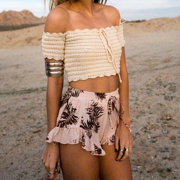 Tops - Beige Off Shoulder Crochet Crop Top                                                                                                                                                                                 Más