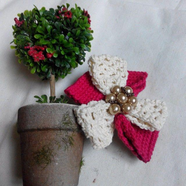 Feeling breeze for a crochet windmill shape hair clip ^^